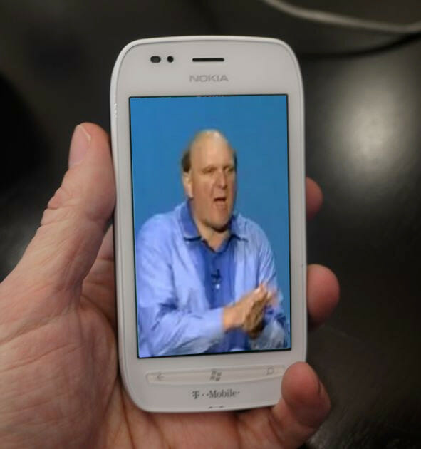 Para celebrar, los usuarios de WInbugs Phone recibirán un regalo multimedia muy especial...